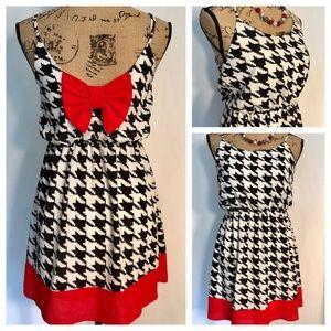 ⬇️ EVERLY Houndstooth Sundress Dress EUC